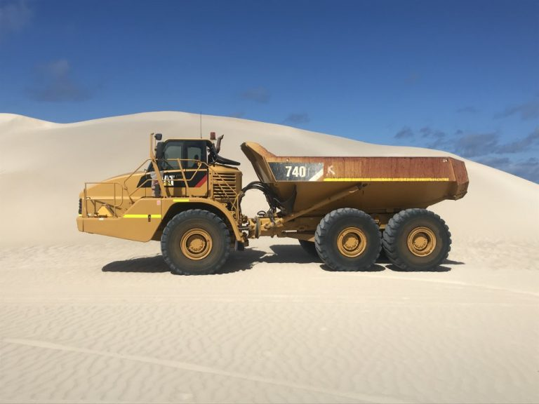 Articulated Dup Truck for Hire in Geraldton