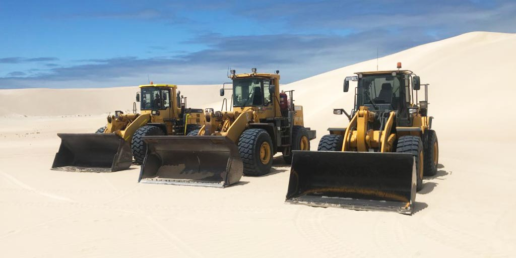 Easrtmoving machinery for hire in Geraldton
