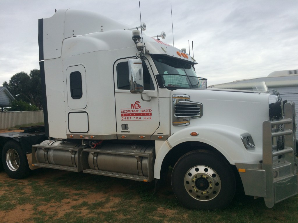 Prime mover for hire in Geraldton WA